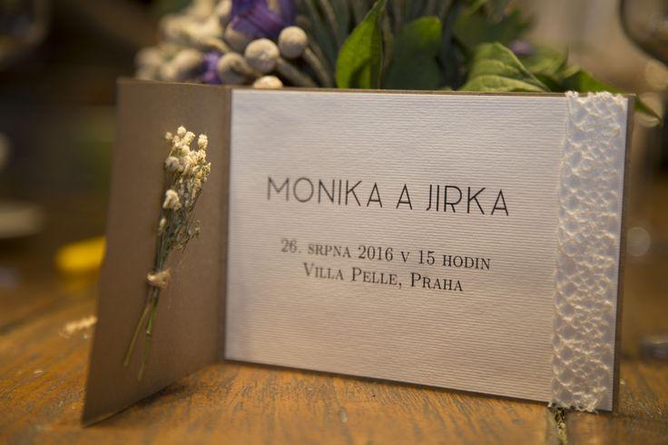 Zakázka na míru pro nevěstu, která má ráda gypsophilu (nevěstin závoj). / An invitation made to measure for a bride who loves gypsophila.