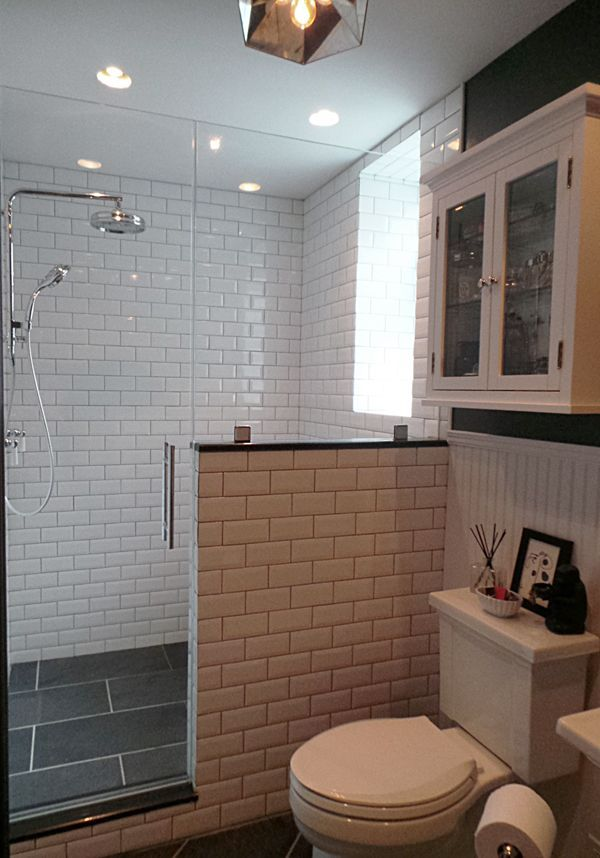 Thermostatic rain shower / Slate tiles / Beveled subway tiles / Pony wall / Walk-in shower / Bathroom design Apple a Day Beauty