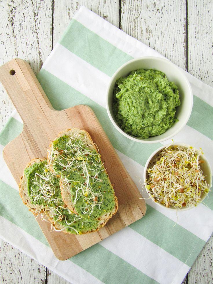 Vandaag gebruik ik artisjokharten om een lekkere artisjokdip te maken, die heerlijk is op brood met de lunch. Lees je mee?