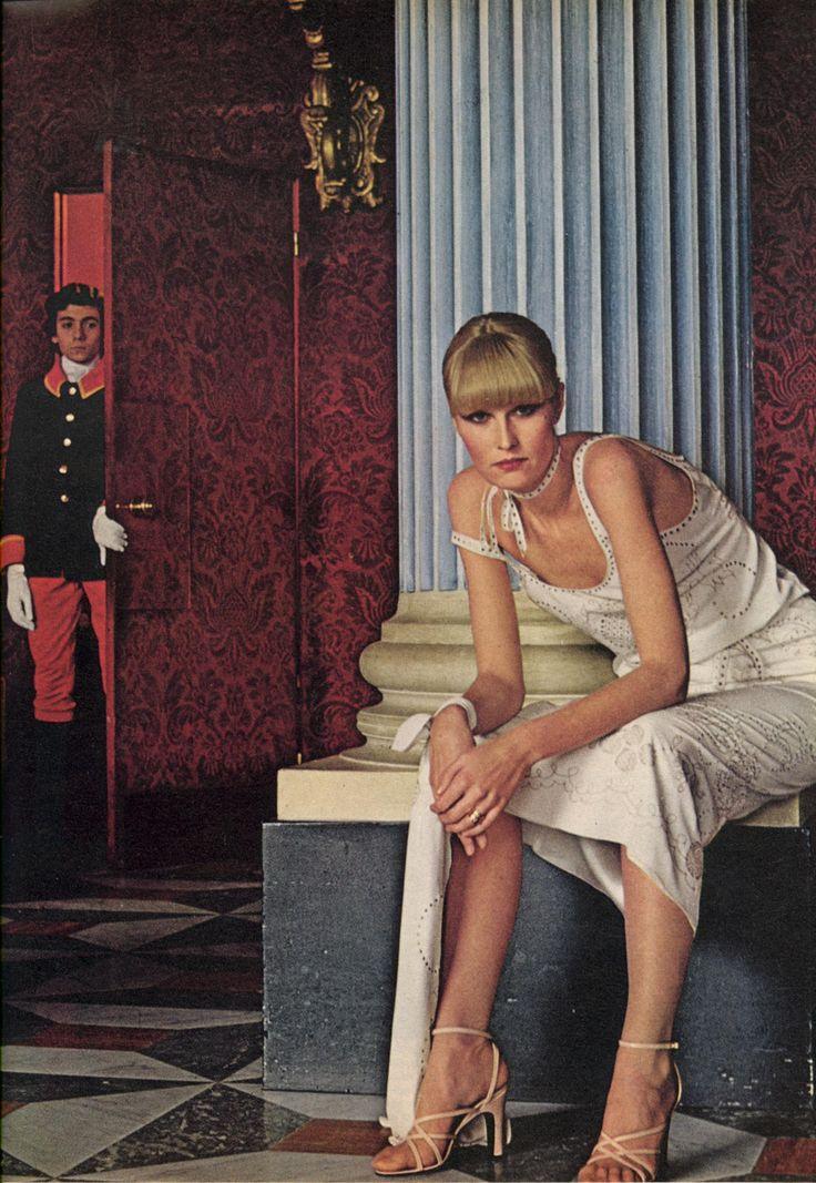 US Vogue March 1976A Few Of Our Favorite ThingsPhoto Helmut Newton Seventies Fashion70s FashionFashion SpringVintage