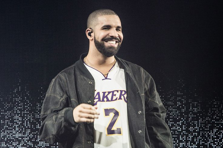 Drake Praises Rihanna in Concert Despite Dating Jennifer Lopez (REPORT) - In Touch Weekly