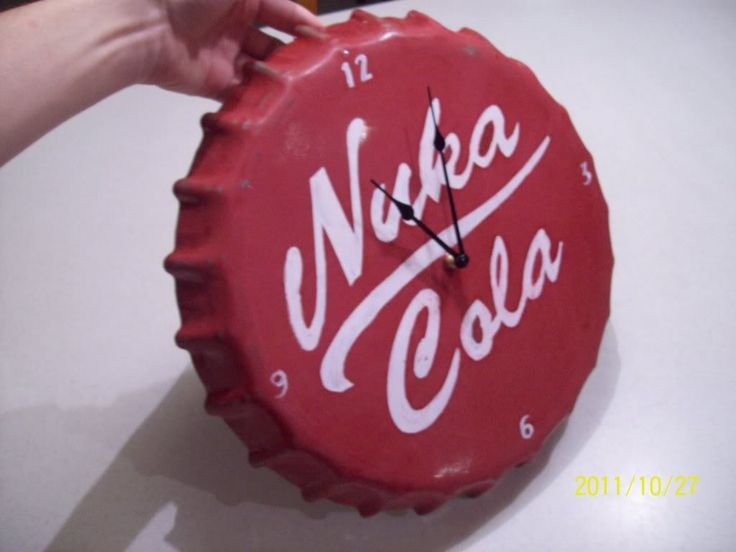 DIY Giant Nuka Cola Bottle Cap Clock (Inspiration Only. No Pattern or Instructions.)