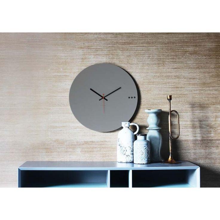 Ρολόγια τοίχου της Εταιρείας xline. Wall clock tre grey 50cm 95€