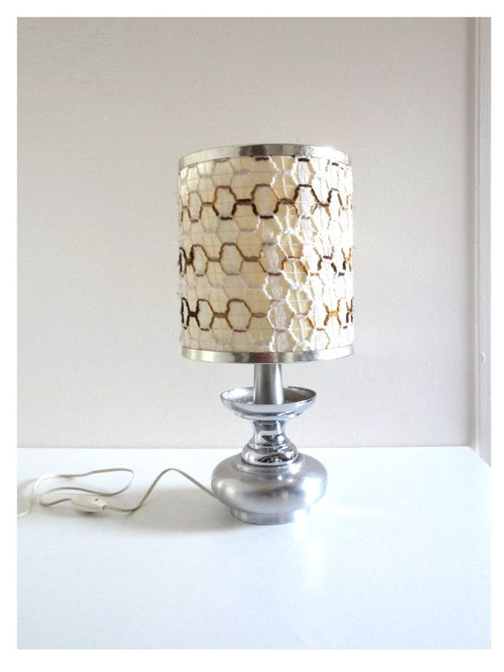 Vintage 70s Table Lamp With Silver Metal Base And Wool Lampshade Seventies Space Age Lighting Lampes Vintage Luminaire Vintage Luminaire Style Industriel