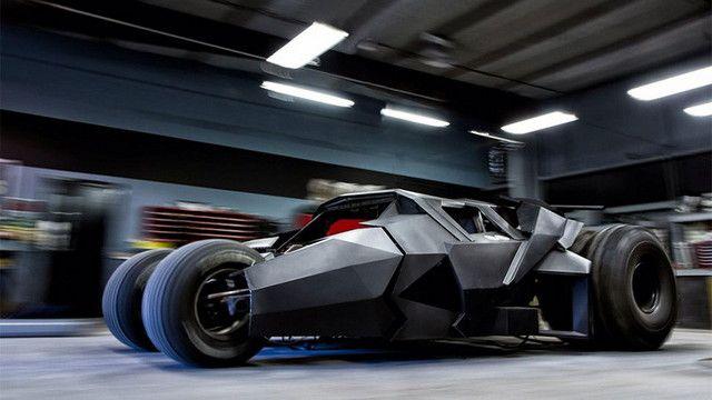 ダークナイトの速さはいかに? 100万ドルのバットモービル・タンブラーがラリー・レースに出場