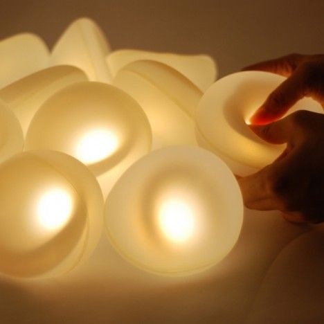The d°light Bubbles are soft, cool and squeezable silicone bubble LEDs that provide ambient lighting to any room