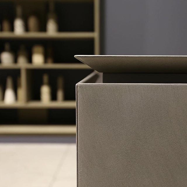 #Rifra #Milano #madeinitaly #design #interiordesign #interiors #kitchen #cook #love #cooking #cement #cut #detail #showroom #furniture #contemporary #archilovers #archidaily #archiproducts #archilovers #architects#architecturephotography #luxury #home #luxuryhomes #realestate