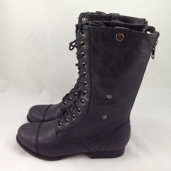 """Selling this """"Black Combat Boots - NEW"""" in my Poshmark closet! My username is: yooni. #shopmycloset #poshmark #fashion #shopping #style #forsale #Forever 21 #Boots #FOREVER21 #F21 #combatboots #blackboots"""