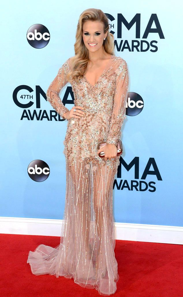 Carrie Underwood looks flawless in Ralph & Russo Couture. #fashion 2013 CMA Awards