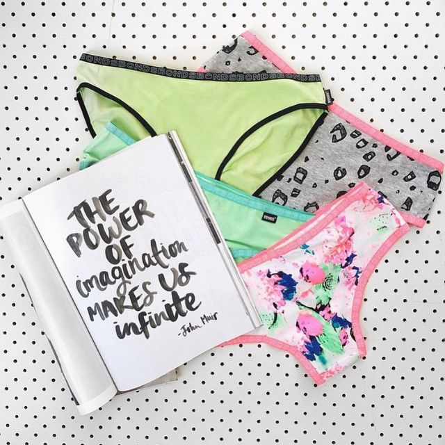 """""""Inspirational quotes and Bonds undies in fun shapes, colours and prints from our #BondsStyle blogger @ellesechloe to kick off your weekend! #bondsaus…"""""""