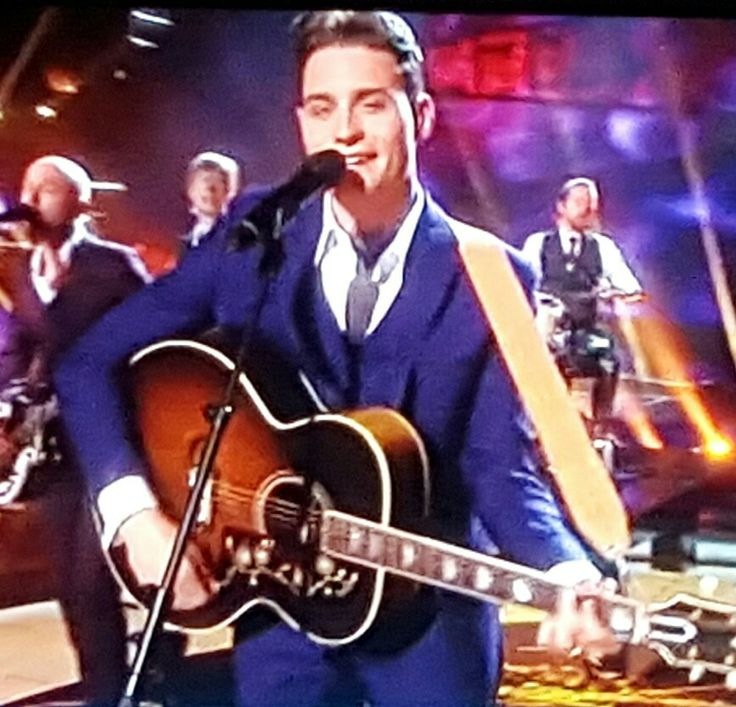 """Douwe Bob (The Netherlands) singing """"Slow Down"""" in semi-final 1 of the ESC 2016"""
