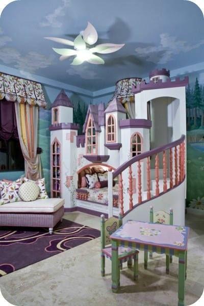 chambre princesse fille bébé château lit