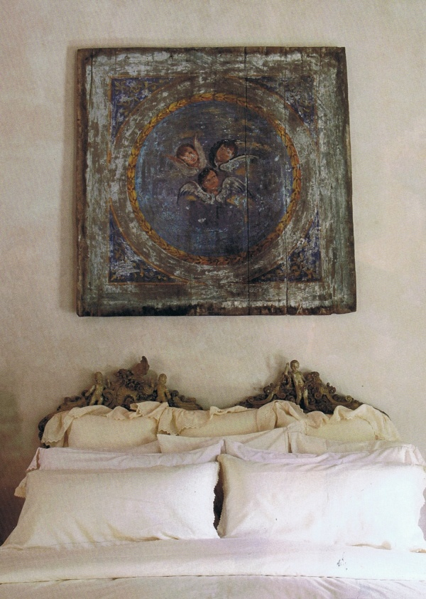 ,French Interiors, Dreams, Paris Apartments, White Beds, Painting Decor, Bedrooms, Angels, Antique, Mexicans Art
