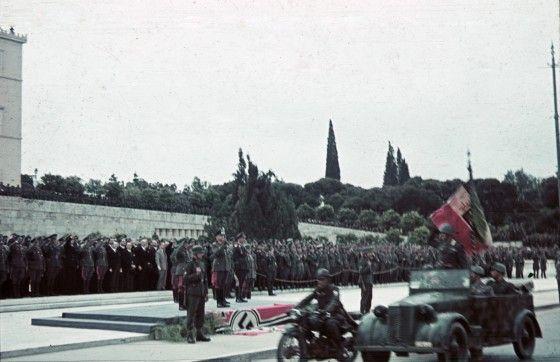 Wehrmacht, italienische Soldaten, Parade, Athen; Generalfeldmarschall List Foto: Oliver Das Gupta / SZ Photo, pin by Paolo Marzioli