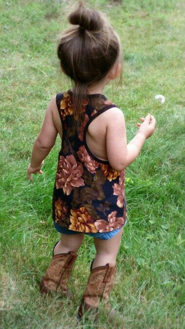 So adorable. If I have a girl, she's definitely gonna have boots like me.