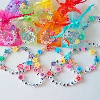 Stunning Moana Party Ideas - Paige's Party Ideas - Make a take-home bracelet