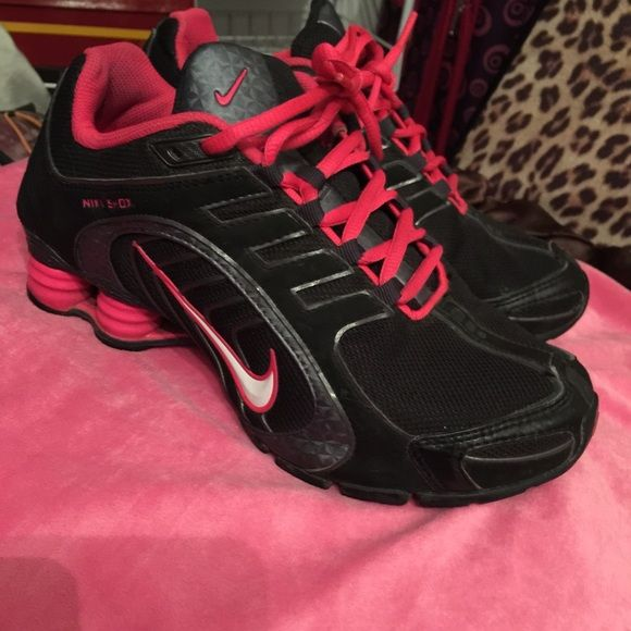 Nike tennis Barely used Nike shoks Shoes Athletic Shoes