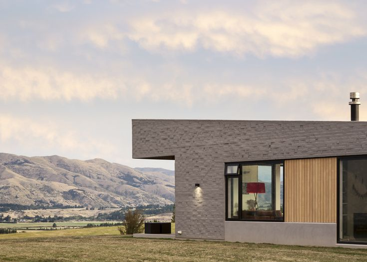 Lake Hawea Courtyard House by Glamuzina Paterson Architects