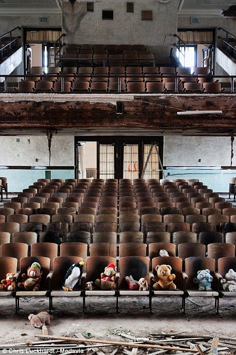 Holley High School, New York State, was built in 1931 but has been crumbling since the 1970. Urban explorers leave behind stuffed animals.