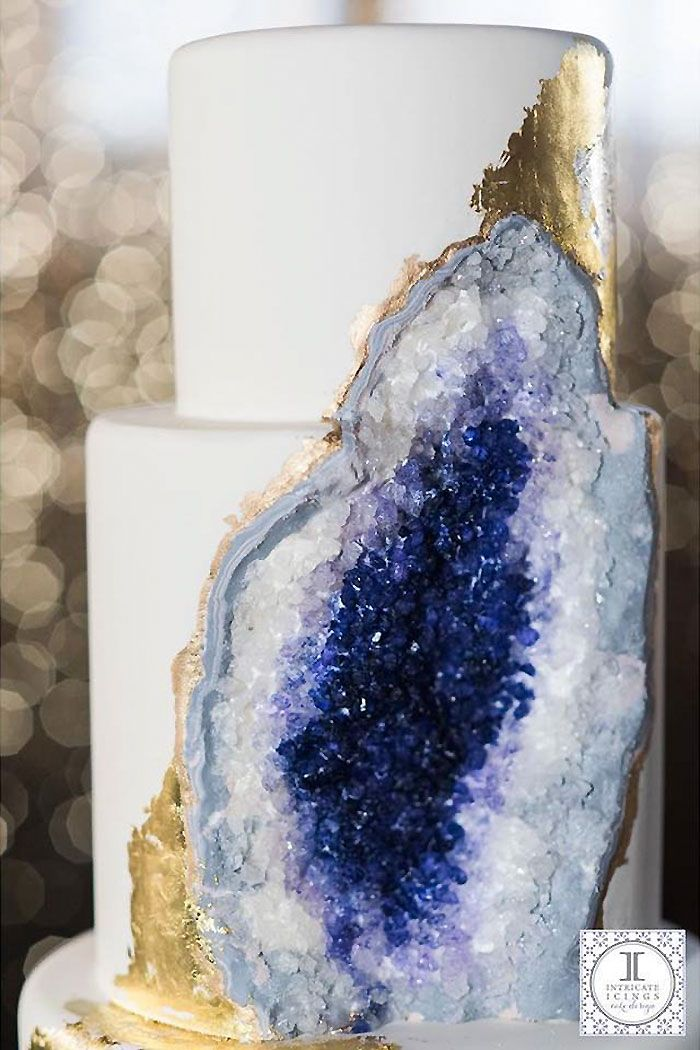 Silver instead of gold.  Stunning Cake Reveals an Edible Amethyst Geode Beneath Its Surface - My Modern Met