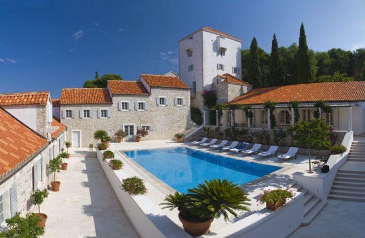 Dalmatian Coast luxury holiday rental, Maslinica Castle   Amazing Accom