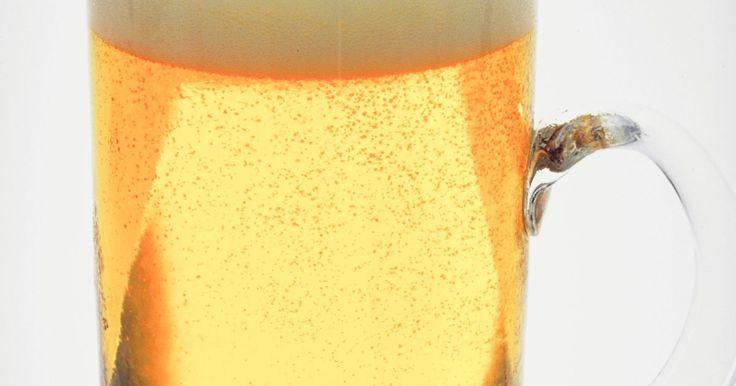 Como aumentar o teor alcoólico de uma bebida caseira. A beleza da produção de cerveja caseira é exatamente poder decidir o que será usado em sua bebida. Com um pouco de conhecimento, você pode manipular o sabor, o aroma, a cor e o teor alcoólico de sua cerveja. O álcool é criado como um subproduto quando a levedura metaboliza os açúcares no mosto (a mistura que se transformará em cerveja). Assim, ...