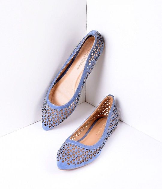 In the mood for a plucky pair of shoes, dear? A cheeky pair of darling light blue suede flats that effortlessly harness casual charm - boasting radiant laser cutout detail. Crafted in man-made materials with a cushion interior, so you can be comfortable w