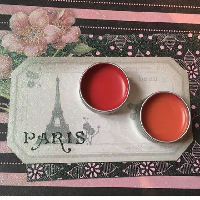 "112 gilla-markeringar, 2 kommentarer - Therese Ceder (@cederdesign) på Instagram: ""Homemade lipbalms made of essential oils. All my products are 100% organic. To get this color Im…"""
