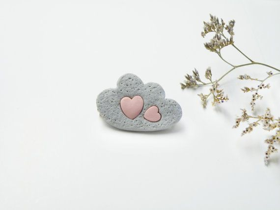 Grey Cloud brooch with pastel pink hearts. Polymer clay jewelry, tender brooch Gift idea for her, romantic, vanilla style. Valentine jewelry on Etsy, 11,98 €