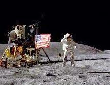 Aquila lunare (Curiosità sconosciute)  Aquila lunare: l'astronauta John Young, che fu il comandante dell'Apollo 16, venne battezzato Aquila lunare da una comunità di pellerossa... >>>>  http://www.enciclopedia-mondiale.com/2014/04/aquila-lunare-curiosita-sconosciute.html