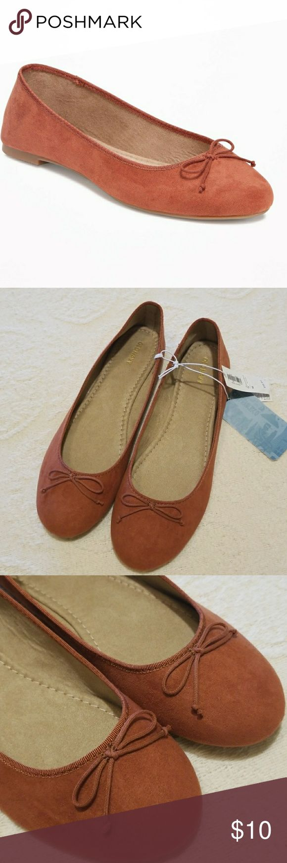 Old navy ballet flats size 10 Old navy ballet flats. Size 10. New with tags. Color is a rust/Brown. Super comfy. Old Navy Shoes Flats & Loafers