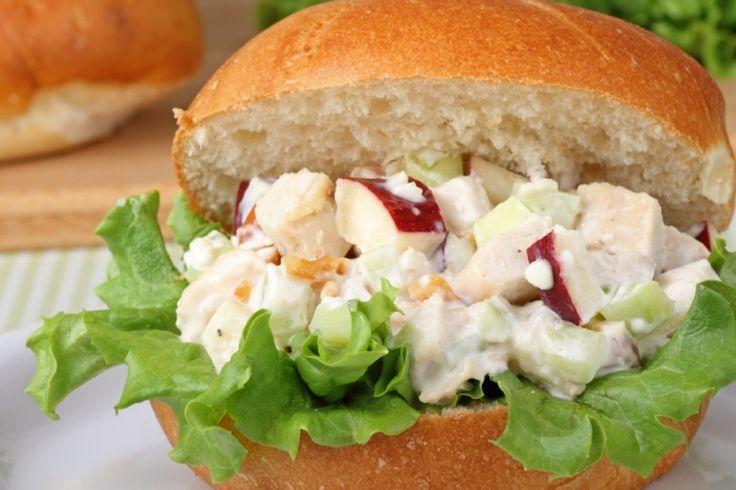 Réaliser une salade de poulet complètement renversante