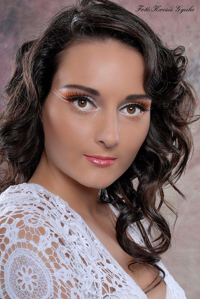 Make up Modell : Viki Farkas Make up: Kovács Gabriella (Gab make up ) Hair : Fodrász Zsanett Zátrok Fotó : Kocsis Gyula