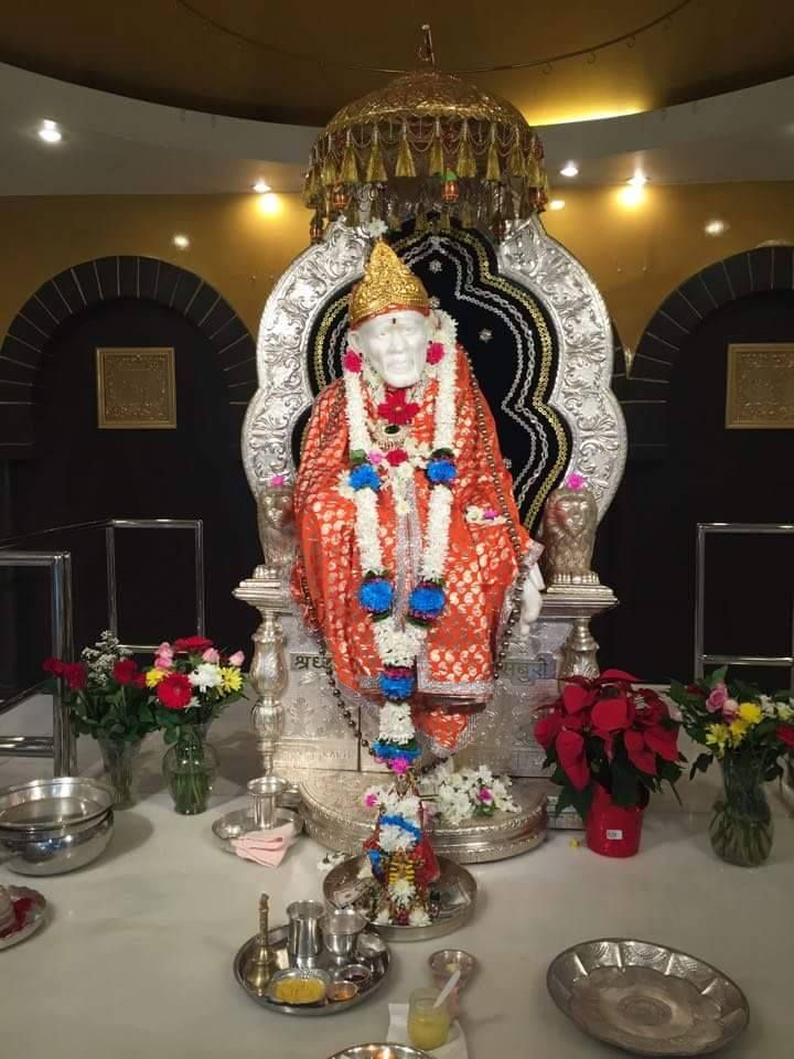 Fabulous Darshan of Baba as seen in a Shri Shirdi Sai baba temple in Los Angeles, California during Thanksgiving.