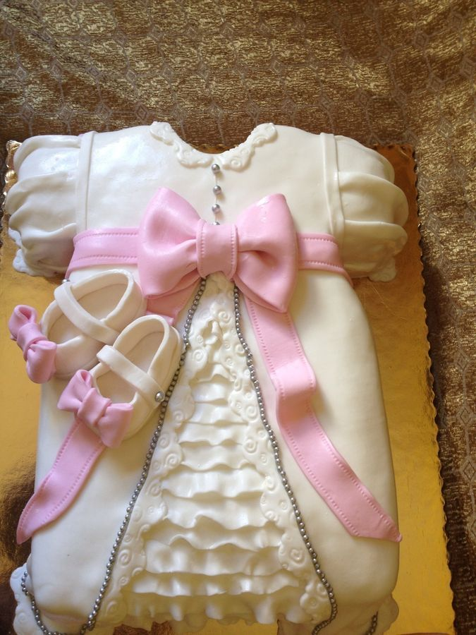 Christening and Baptism Cakes - Cute idea to make instead of stacked cakes