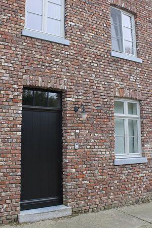 landelijke vensterdorpels in blauwe steen - Steenzagerij Eurosteen Lanaken - www.eurosteen.be