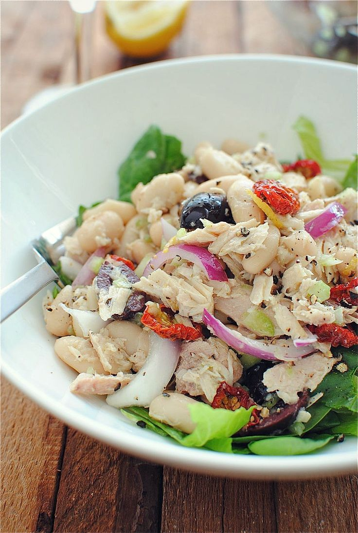 Tuscan Tuna and White Bean Salad-really amazing flavors! Skipped olive oil since kalamatas were in oil.