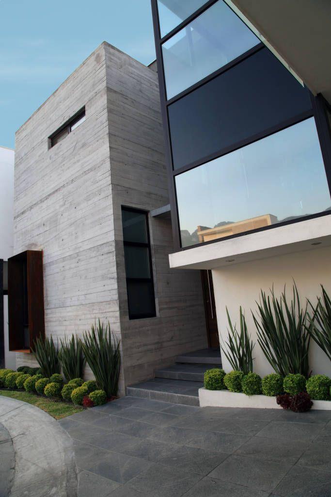 Fotos de casas de estilo moderno detalle acceso cubo for Estilos de casas arquitectura