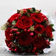 Touch of Red Bridal Bouquet - Touch of Red Bridal Bouquet > View Full-Size Im... | Red, Touch, Bouquet, Aud, Roses | Bunchesdir