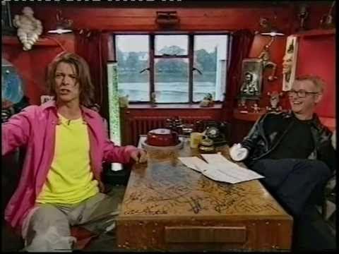 "David Bowie - TFI Friday: interview + ""Survive"",1999 (русские субтитры)"