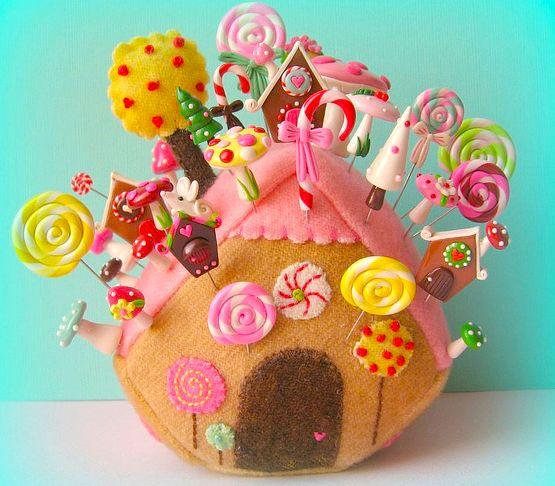 Gingerbread felt house