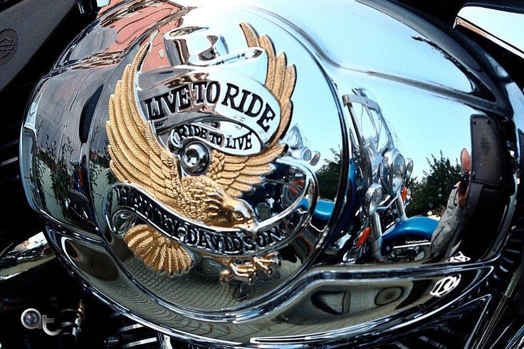 #Live to #Ride - #vintage #bike #nikontop #nikonphoto_ #andreaturno @andreaturno #reflection #lifestyle #life_in_colors #life_in_motion