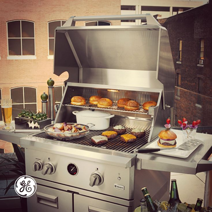 It's day 3 of a 4-day bbq weekend and grill space is running out. Why not go bigger with our Big Grill Giveaway? Enter now!