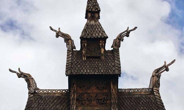 Klassiker I. Borgund stavkirke i Lærdal, som har vært i Fortidsminneforeningens eie siden 1877, er selve Stavkirken i Norge. At den tilbyr besøksinformasjon på 13 språk, thai, kinesisk og koreansk inkludert, forteller om stavkirkefenomenets internasjonale publikum.