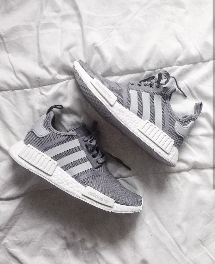 adidas Originals NMD in grey/grau // Foto: heyitsa…