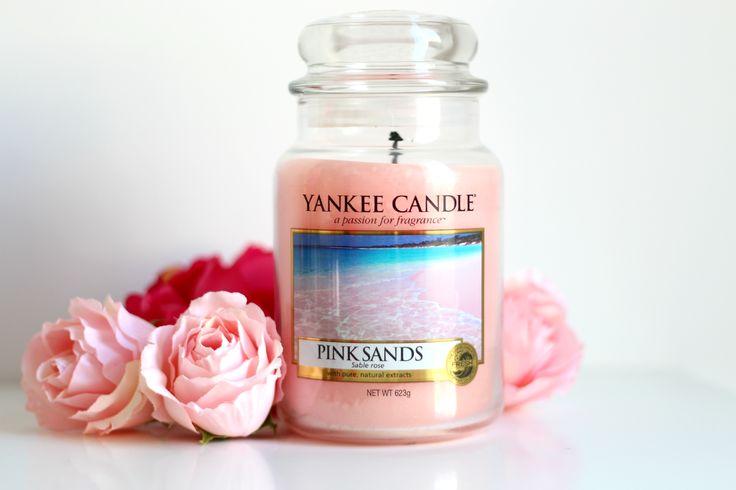 Pink sands... Une bougie assez particulière. Elle fait beaucoup penser à un véritable parfum féminin avec un léger côté fruit rouge très agréable