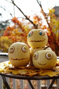 Funny pumpkin faces -- ok, I need about a dozen of these!