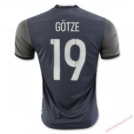 Tyskland 2016 Gotze 19 Bortedrakt Kortermet.  http://www.fotballpanett.com/tyskland-2016-gotze-19-bortedrakt-kortermet-1.  #fotballdrakter