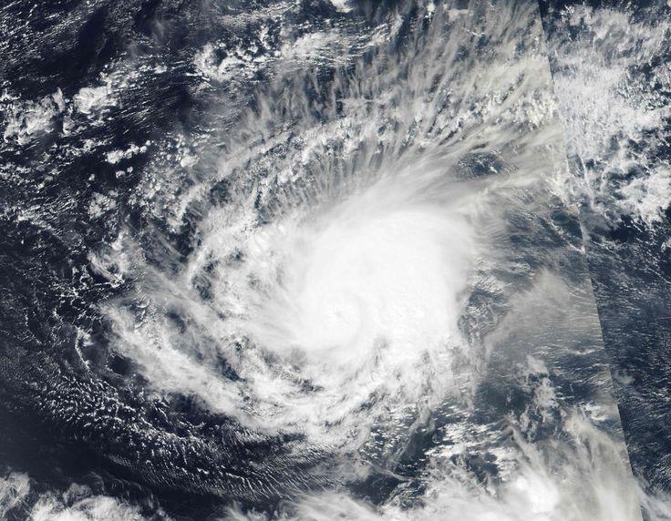 Eerste orkaan boven Atlantische Oceaan in januari sinds 1938 Het Belang Van Limburg 15/01/2016 Atlantische Oceaan