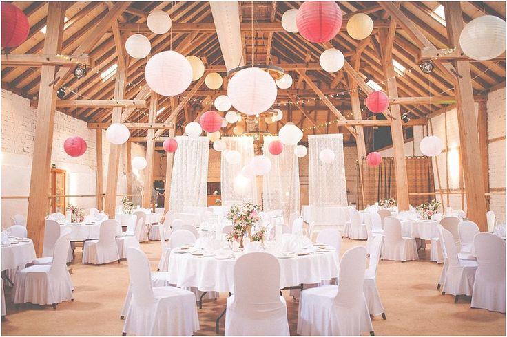 Raumdekoration Hochzeit Lampions, Hofgut Halsberg. Von Anmut und Sinn. Foto: Anija Schlichenmaier